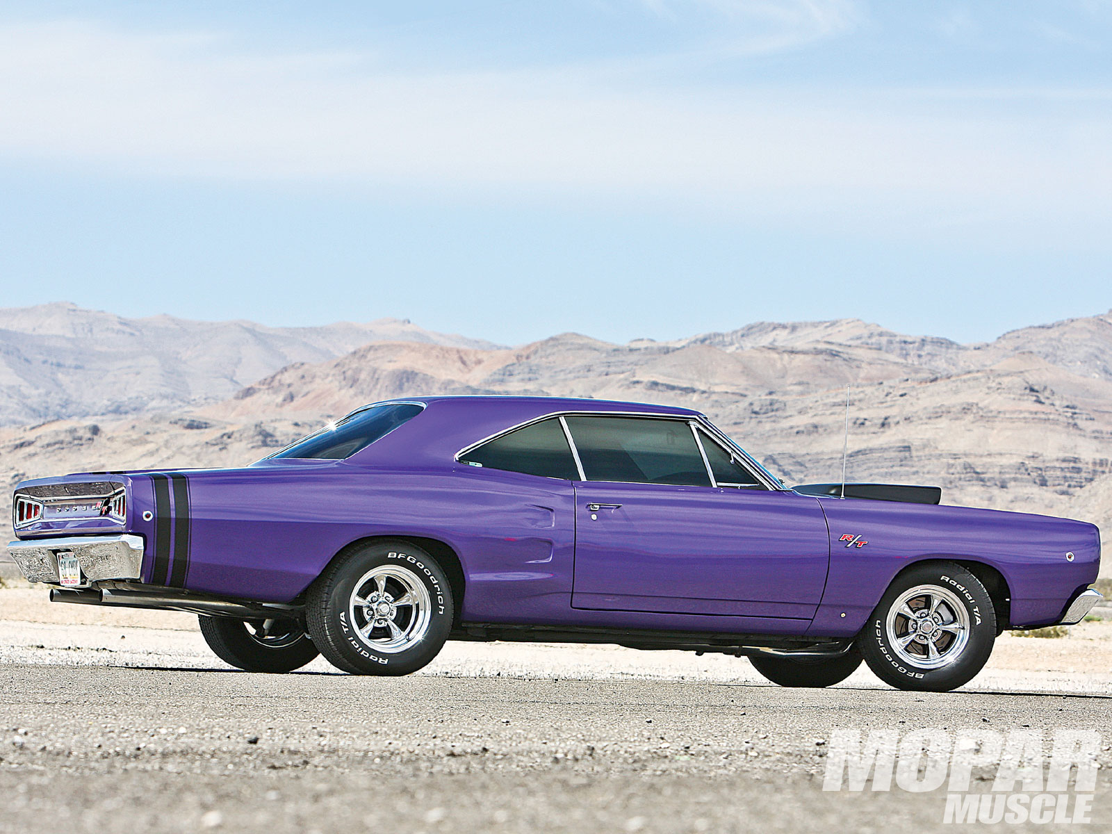 1968 Dodge Coronet R T Side View