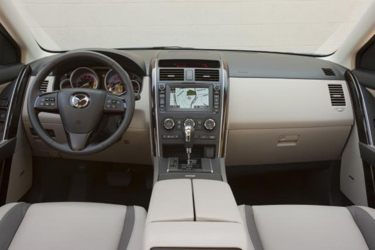 2010 Mazda CX-9 (30 KB). Download Hi-Res (1.3 MB)