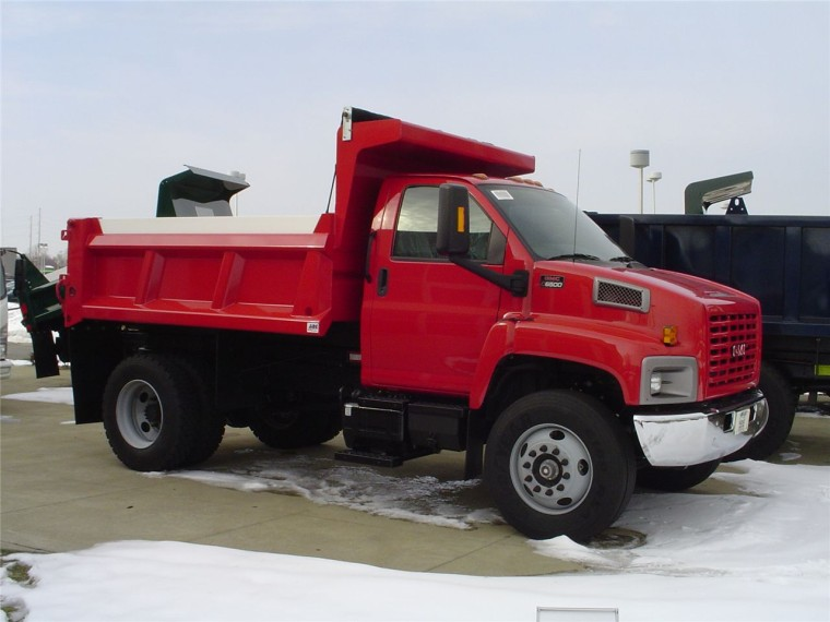 Front Right Red 2007 GMC 6500 Truck Picture