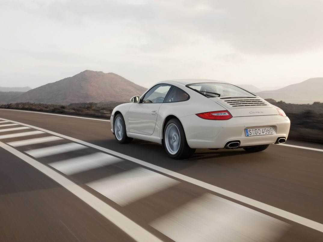 Porsche 911 Carrera S 2009 The new generation of the 911 is available for