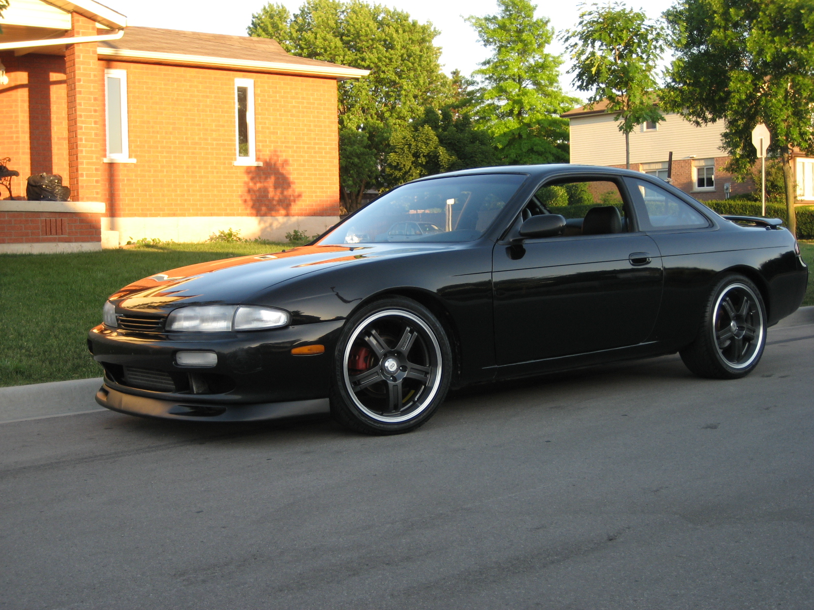 Re: Pic Request!!!!! 240's riding high 18's or more (Jadesr20det)