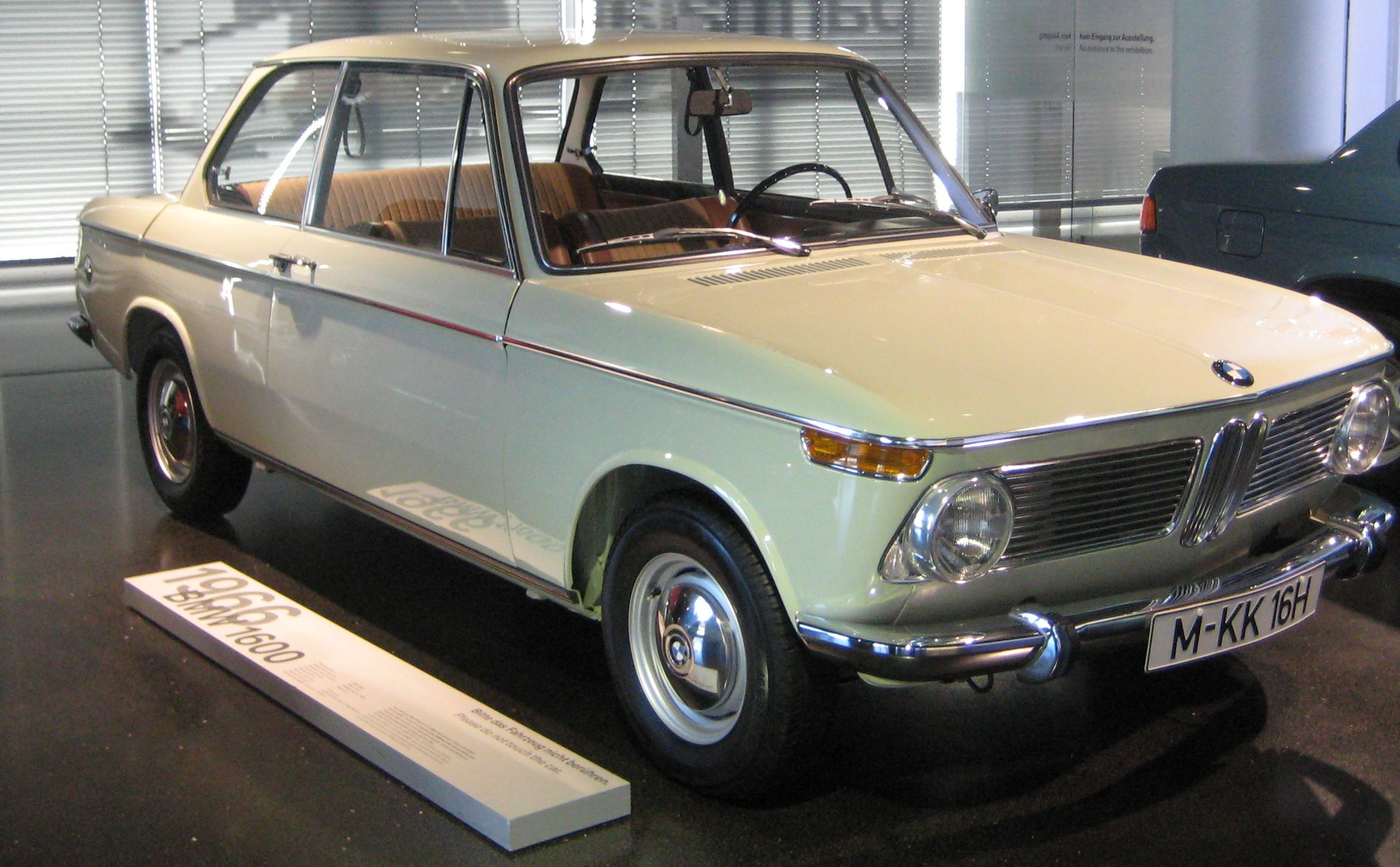 File:Great BMW 318-1966.JPG