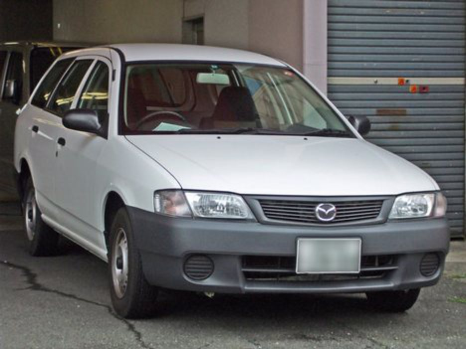 Mazda Familia XGi - huge collection of cars, auto news and reviews,