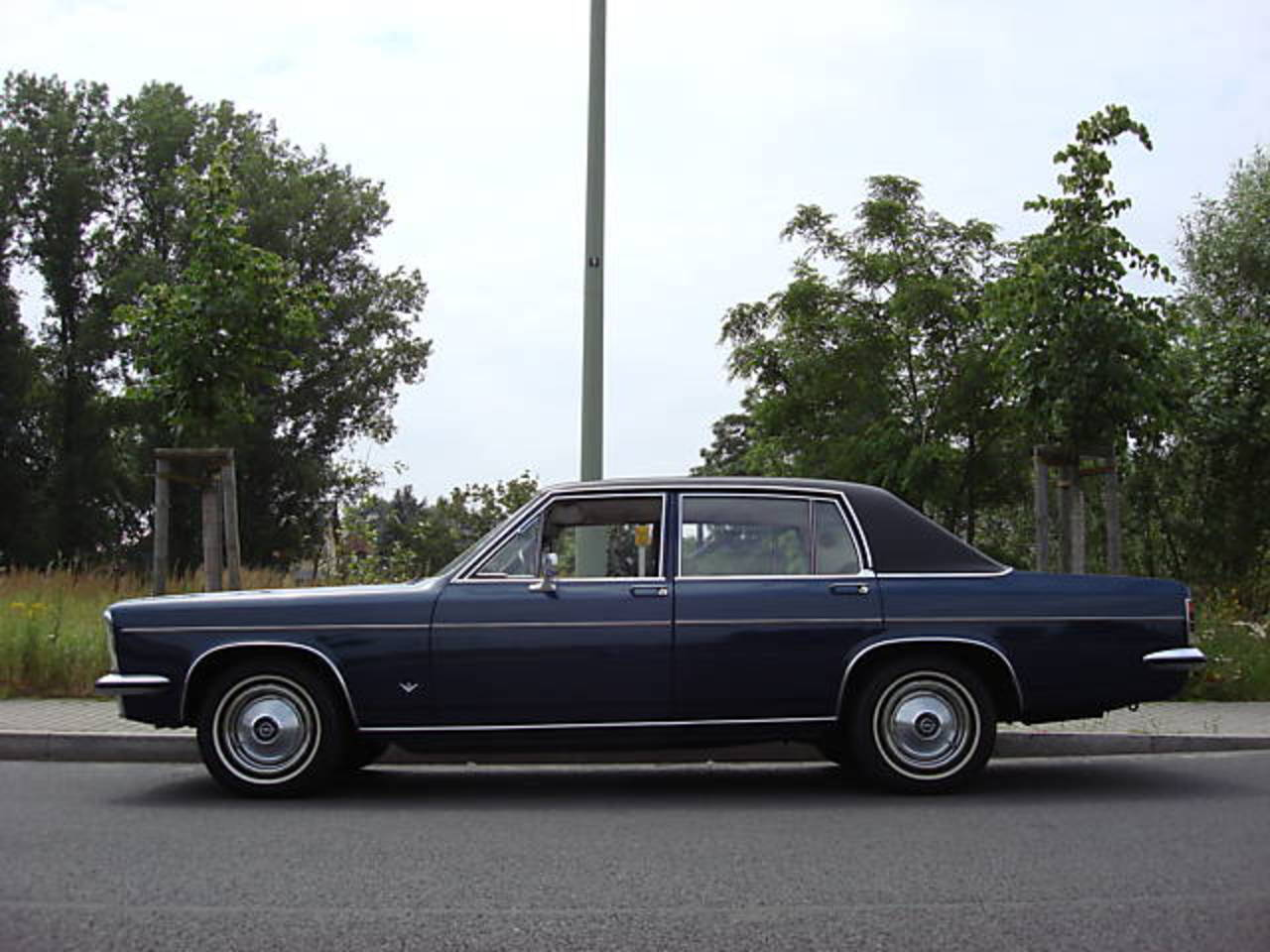 Phaeton from the Past: 1975 Opel Diplomat 5.4