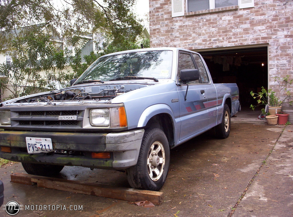 Photo of a 1989 Mazda b2200 Se-5 (Baby Blue). No longer owned