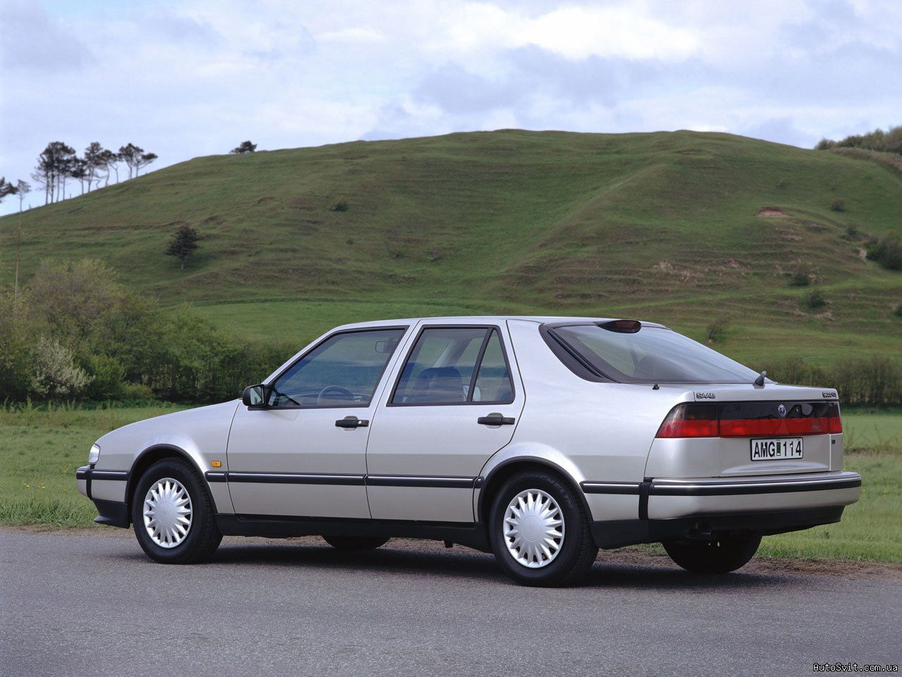 SAAB 9000 CS — a model manufactured by SAAB. The model received many reviews