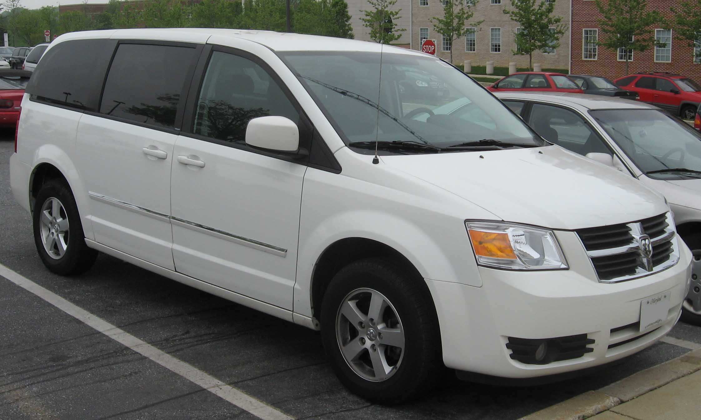 Chrysler Recalls Almost 700,000 Minivans And Jeeps