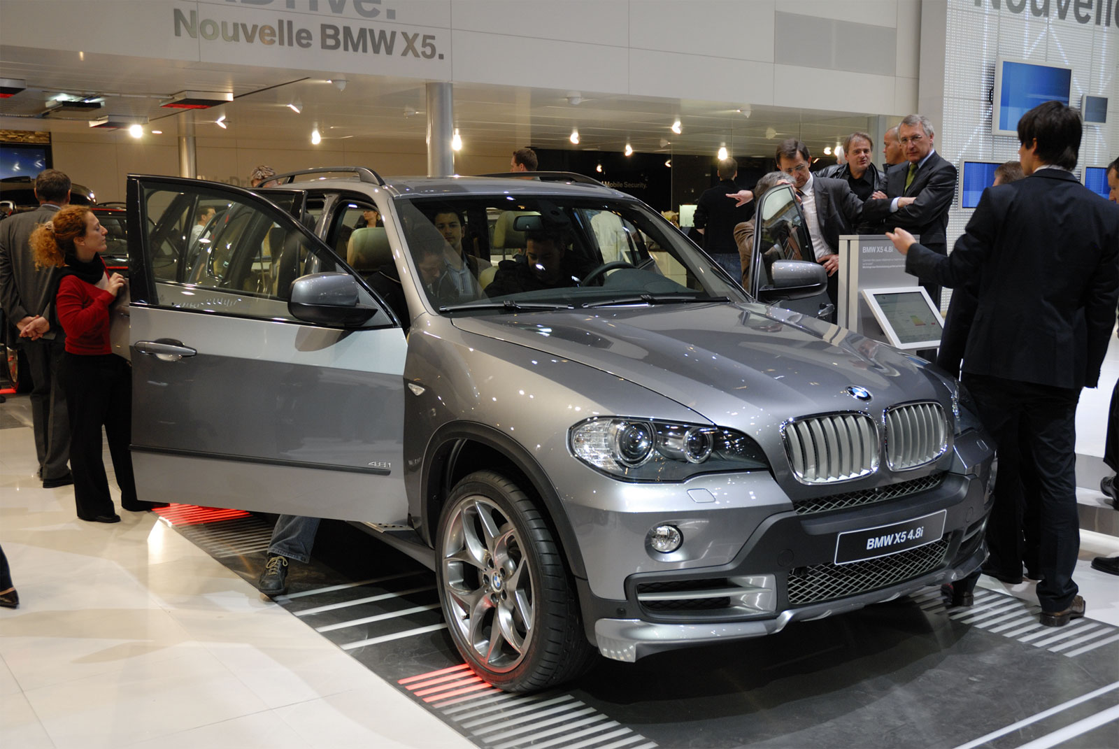 BMW X5 48i - huge collection of cars, auto news and reviews, car vitals,
