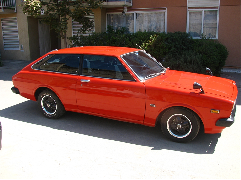 This is my Toyota Corolla LiftBack 1977 With a 2T-B engine.