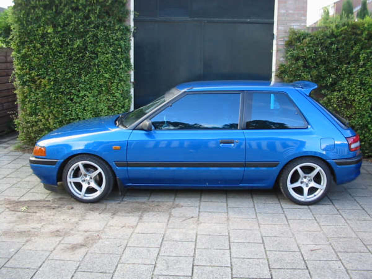 Mazda 323 1.6 i 16v (248 comments) Views 28746 Rating 4