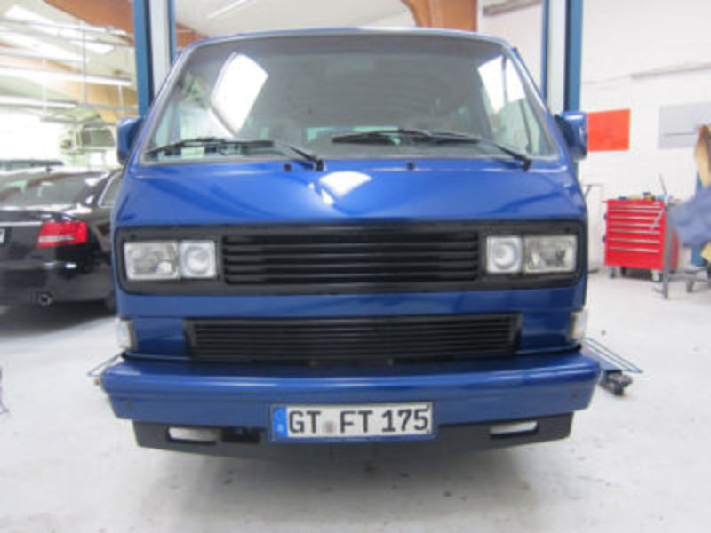 Volkswagen T3 Multivan. White Star