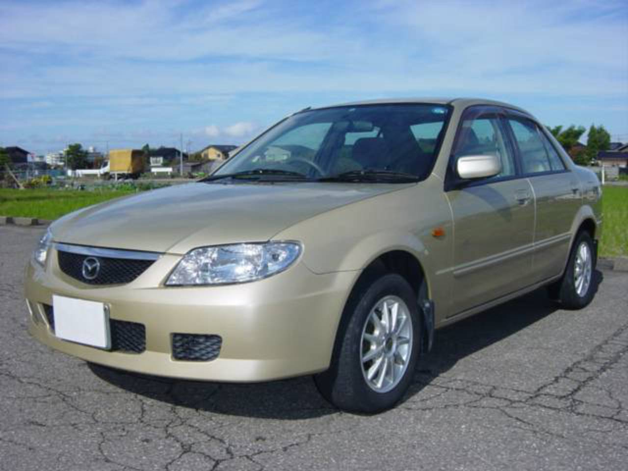 Photo of MAZDA FAMILIA LS / used MAZDA