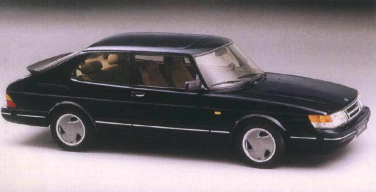 Picture of 1993 Saab 900 2 Dr Commemorative Turbo Hatchback