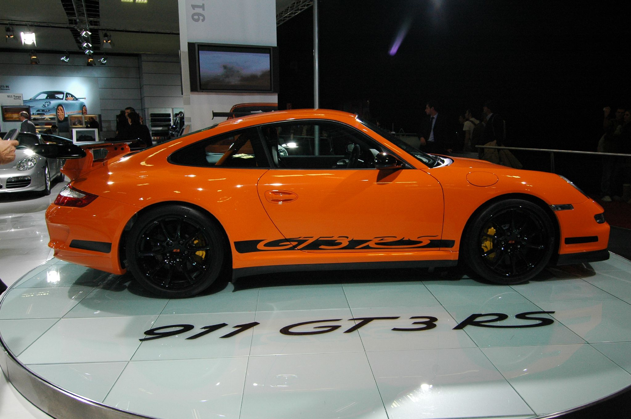 File:Orange Porsche 911 GT3 RS Type 997 (side).jpg