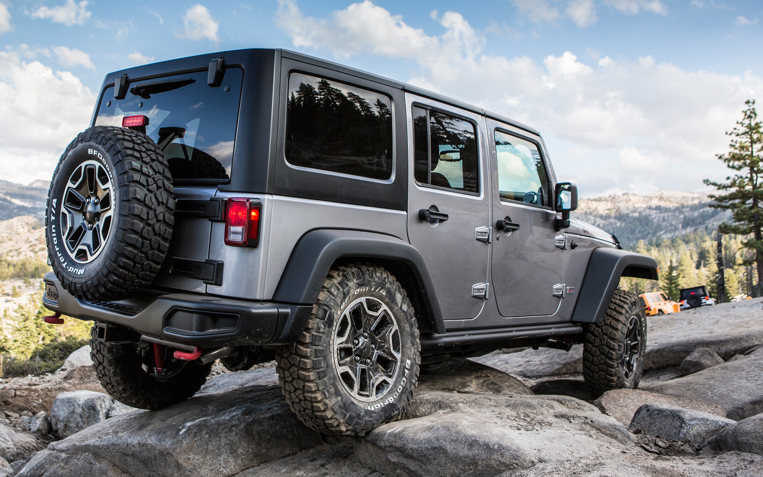 2013 Jeep Wrangler Rubicon Unlimited Rear 02