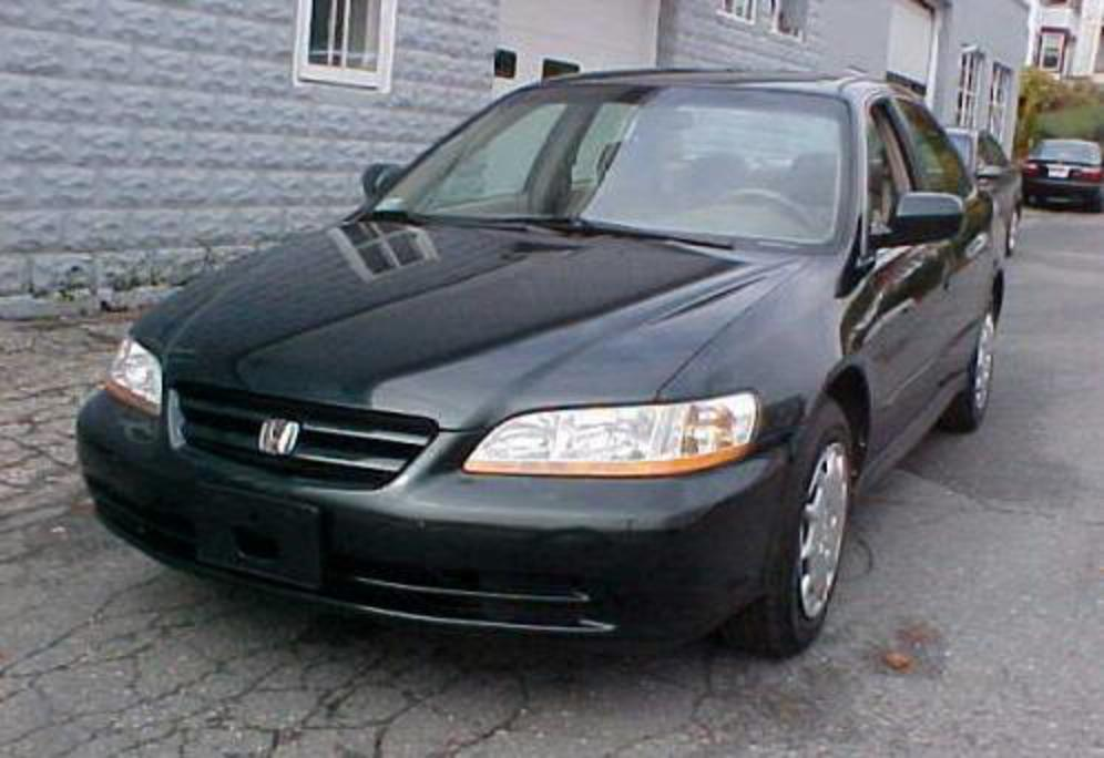 2001 Honda Accord DX Sedan picture