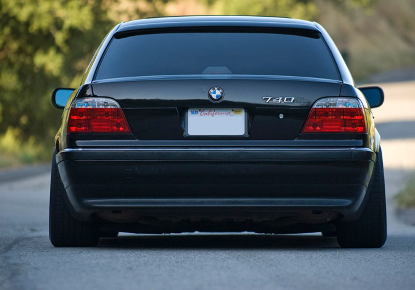 I first saw this slammed E38 BMW 740iL luxury sedan at the Bimmerfest in