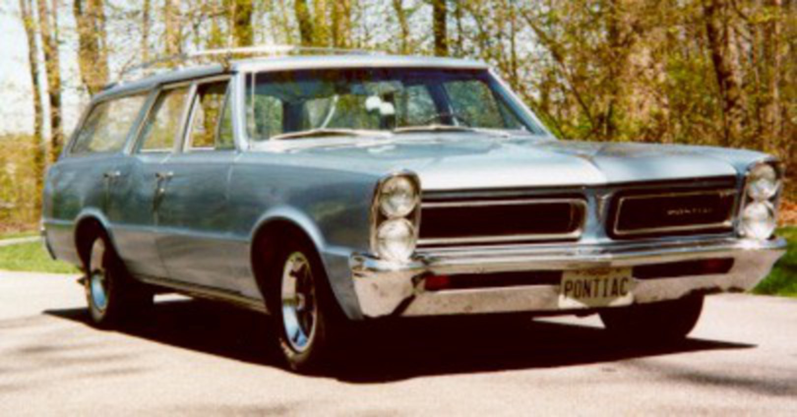 topworldauto photos of pontiac tempest wagon photo galleries 1961 Pontiac Safari Station Wagon pontiac tempest wagon