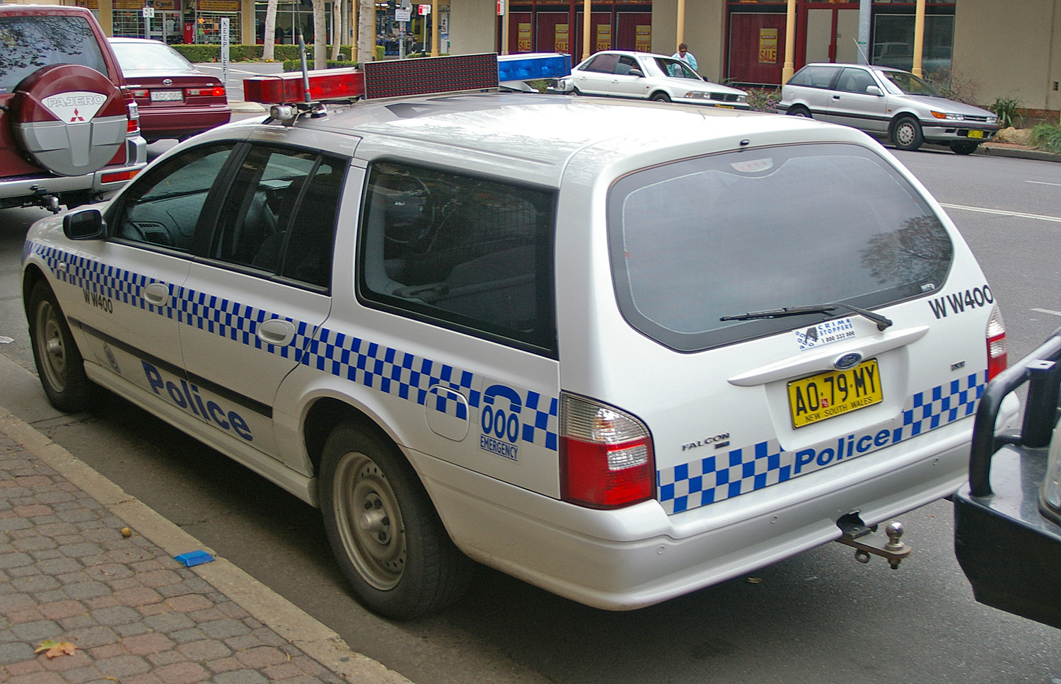File:NSWPF Ford Falcon XT Wagon.jpg