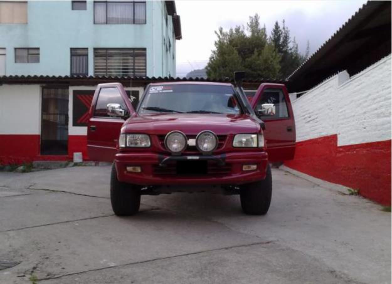 TopWorldAuto >> Photos of Chevrolet Luv 32 V6 4x4 - photo