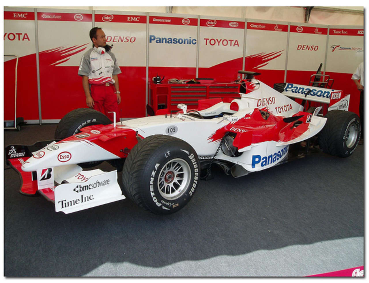 2005 Toyota TF105 F1. Goodwood Festival of Speed 2006. 2005 Toyota TF105 F1.
