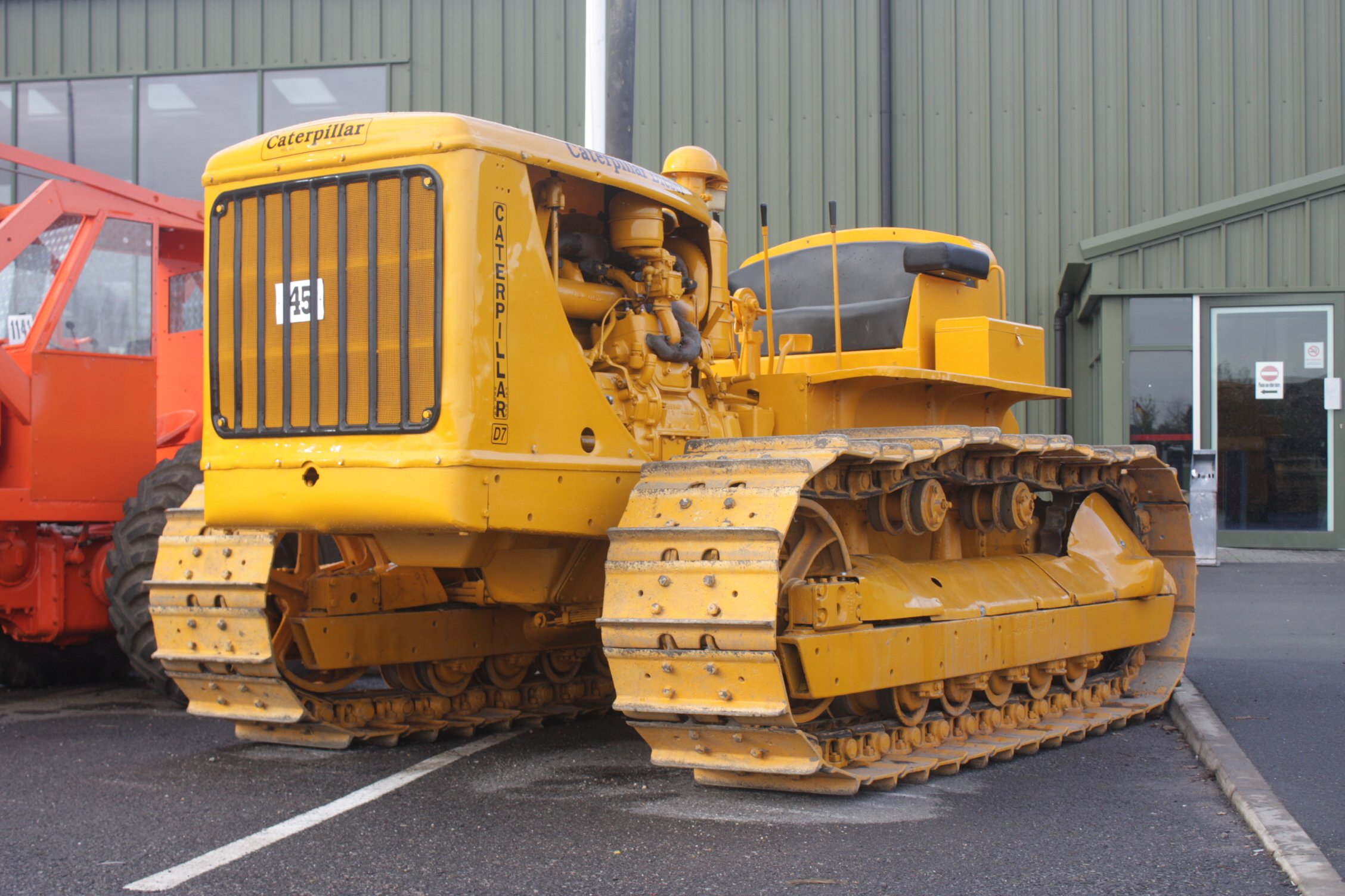 Caterpillar D7 Specs Photos Videos And More On