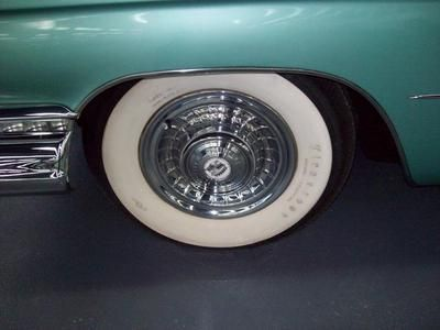 Cadillac Series 62 six-window Hardtop