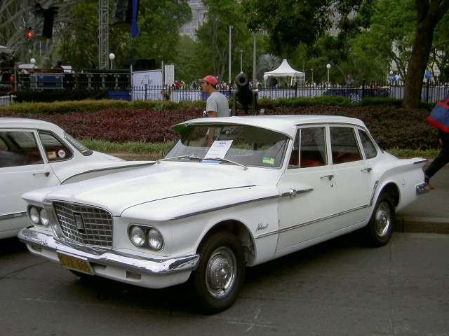 Chrysler Valiant III