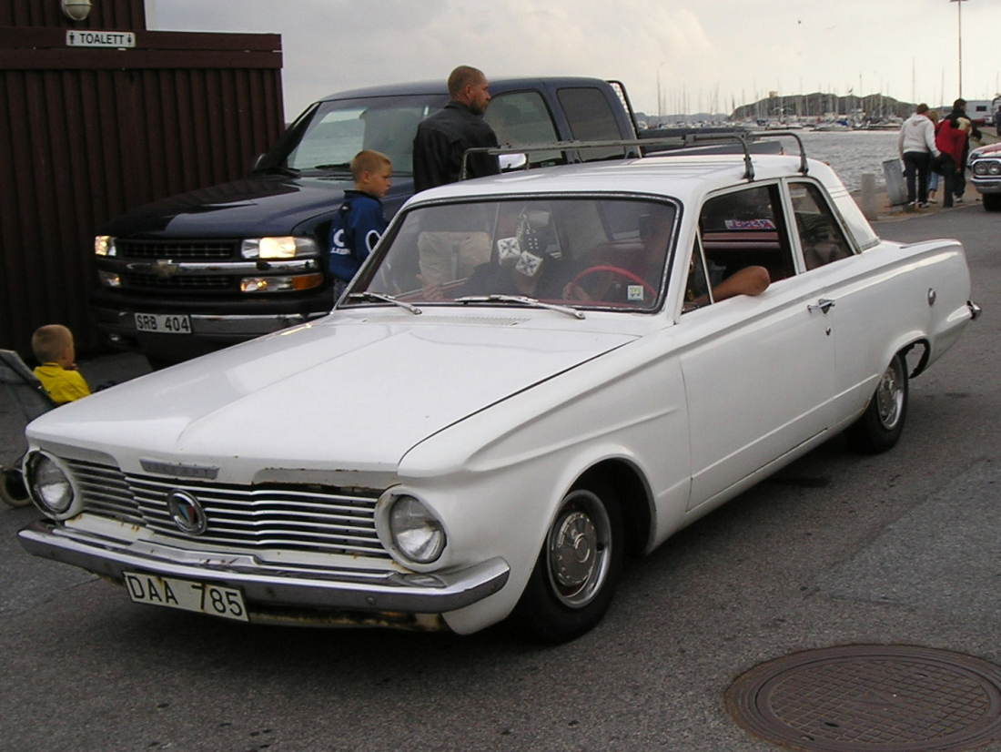 Chrysler Valiant V-100