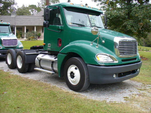 Freightliner CL120 Columbia Class