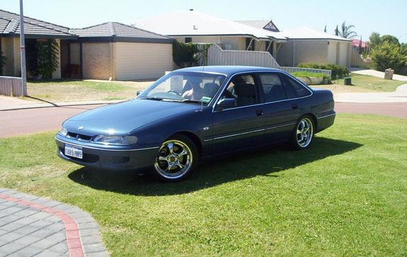 Holden Berlina VY1