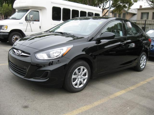Hyundai Accent GLS 14 MPi Coupe