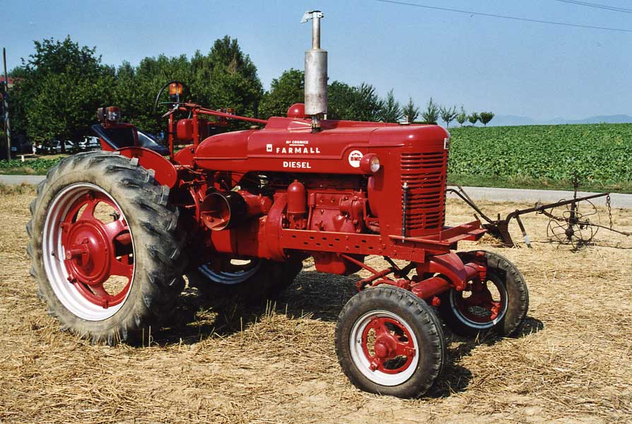 International Harvester Super BMD