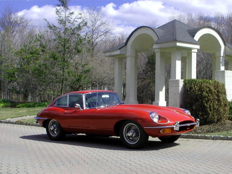 Jaguar E-Type FHC