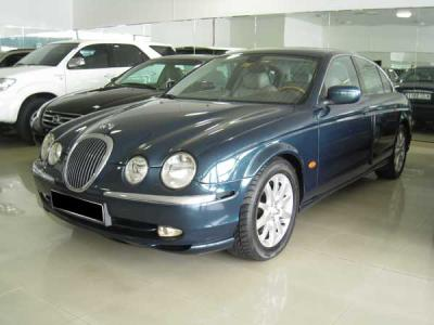 Jaguar S-Type 40