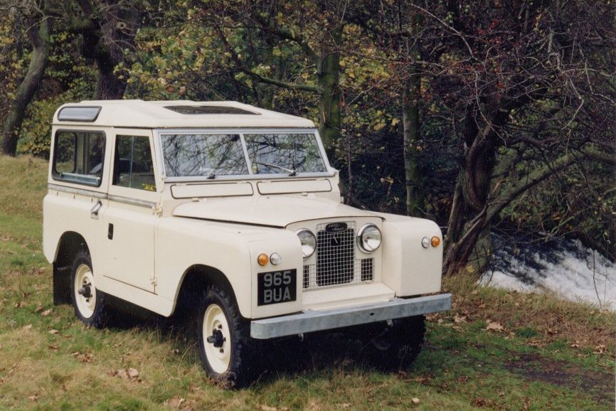 Land Rover 88 Series II