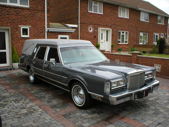 Lincoln Continental Town Car hearse