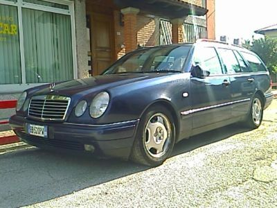 Mercedes-Benz E 300 TDT