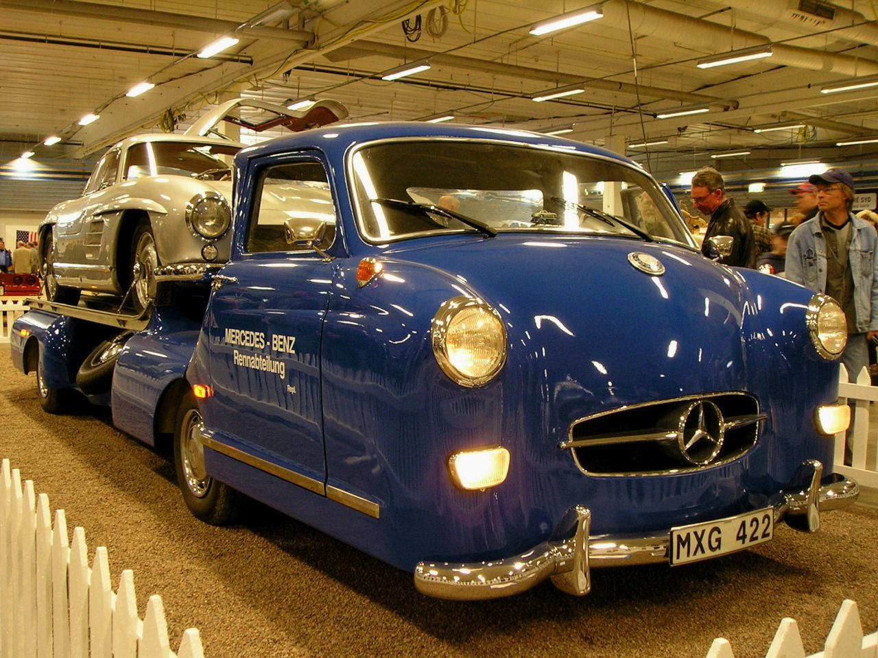 Mercedes-Benz Spezial 300 Transporter replica