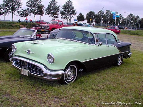 Oldsmobile Super 88 Holiday 4dr
