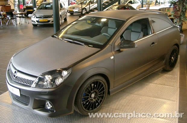 Opel Astra Black edition