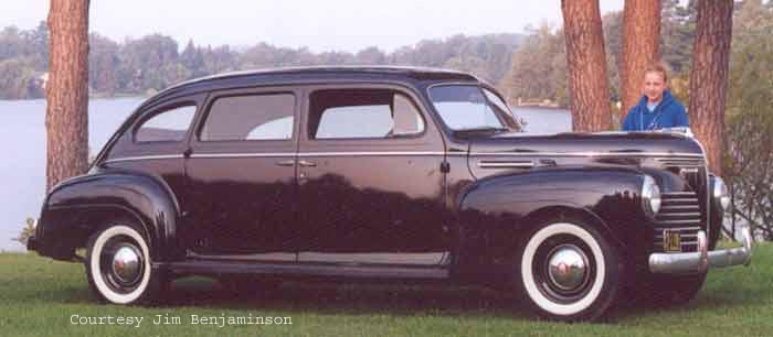 Plymouth De Luxe 7-pass sedan
