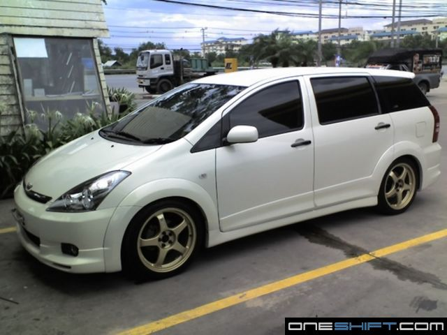Toyota Wish TRD Sports