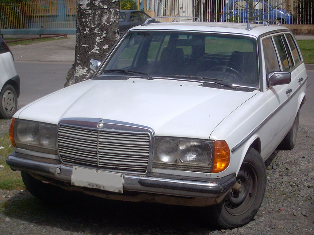 Mercedes-Benz W116 limo