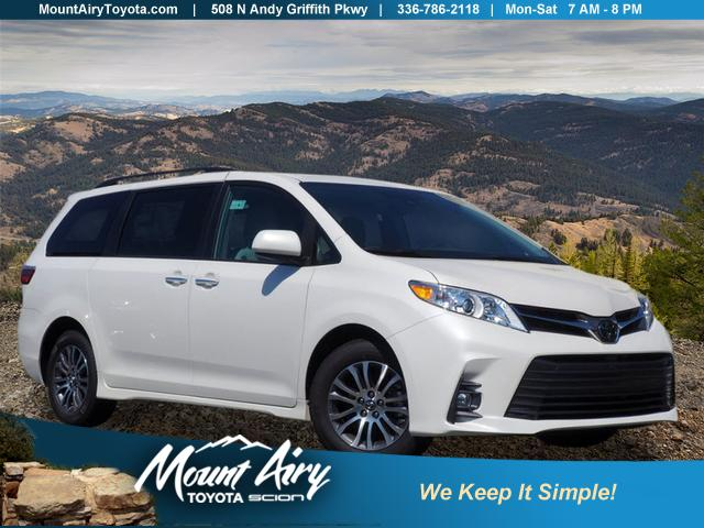 Toyota Sienna XLE, Photo #4