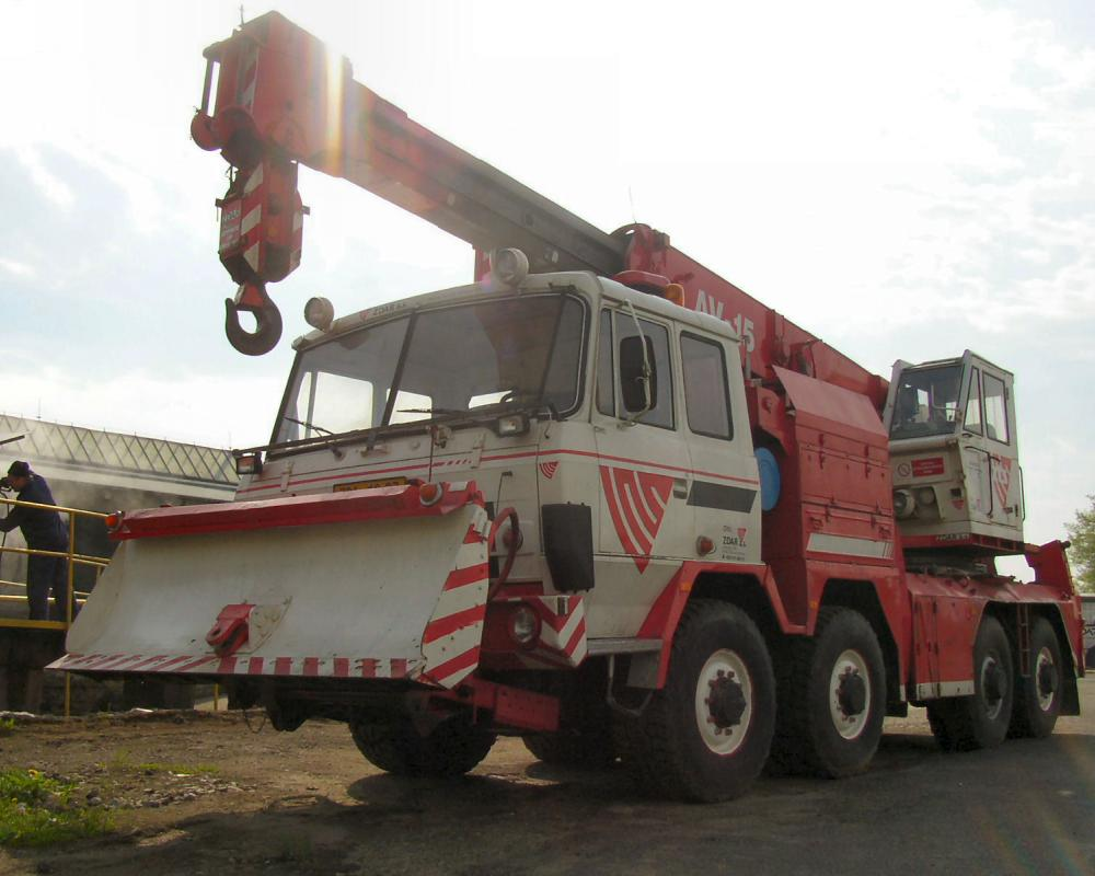 Ex-Army Tatra 815 8x8 AV15 Wrecker Walk Around Page 1