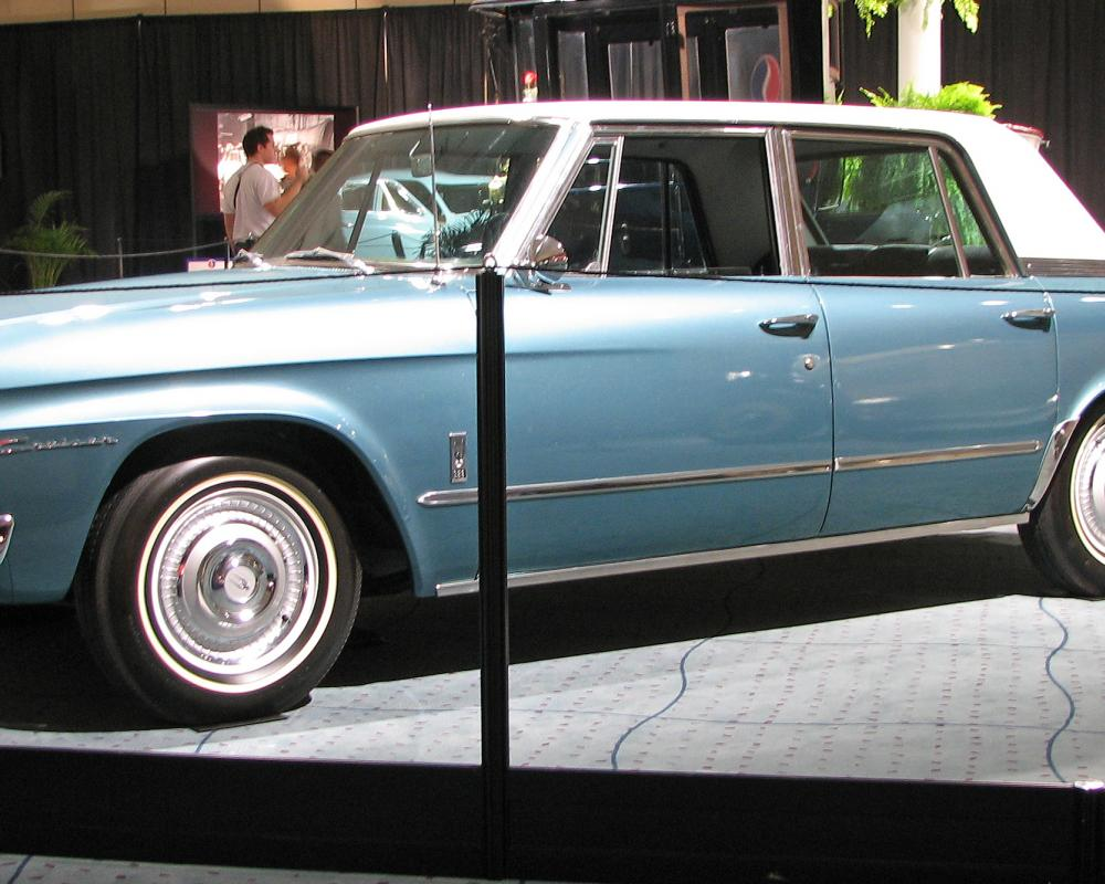 File:1966 Studebaker Cruiser.jpg - Wikimedia Commons