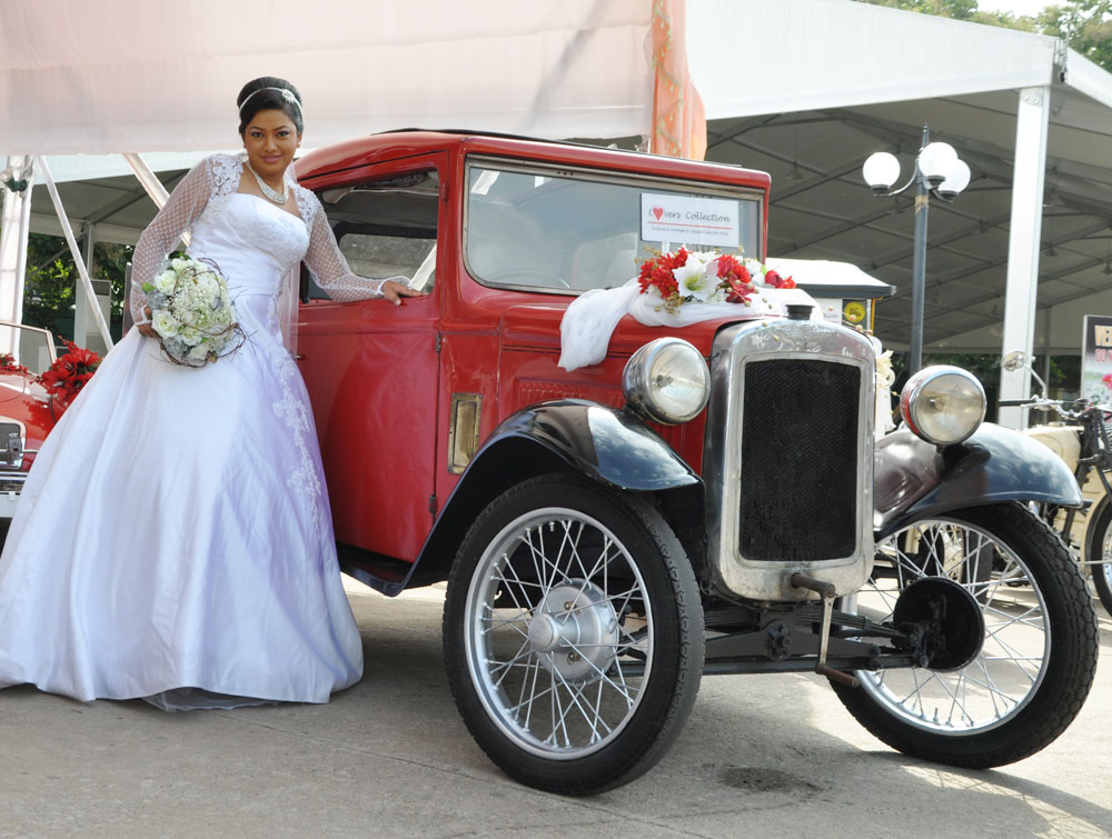 Lovers Collection - A Limousine for your wedding