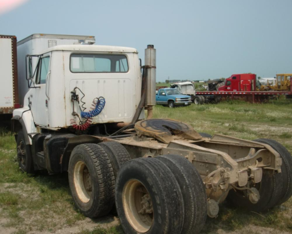 Used International Cab Assembly for 1985 International S2300 (2 ...