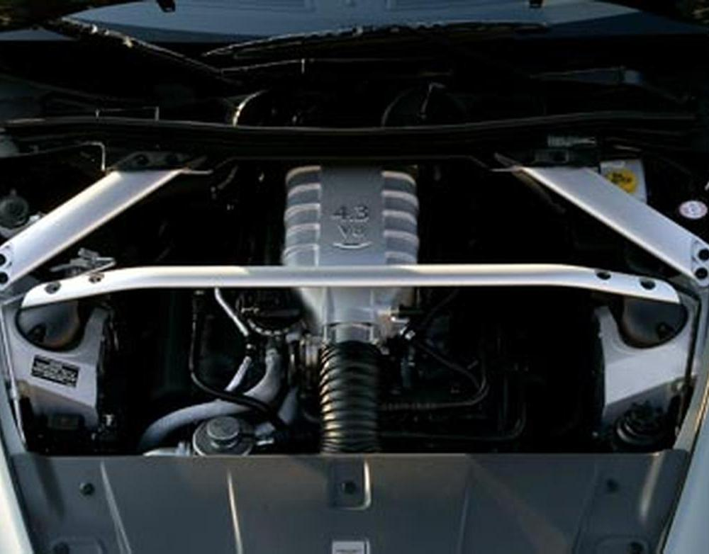 2008 Aston Martin V-8 Vantage roadster 4.3-liter V8 engine photo